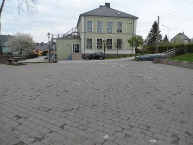 Schulhof vor Sanierung