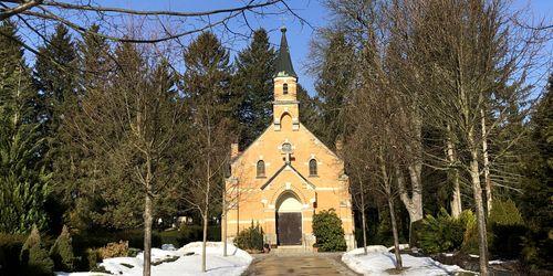Weg zur Kapelle nach Sanierung